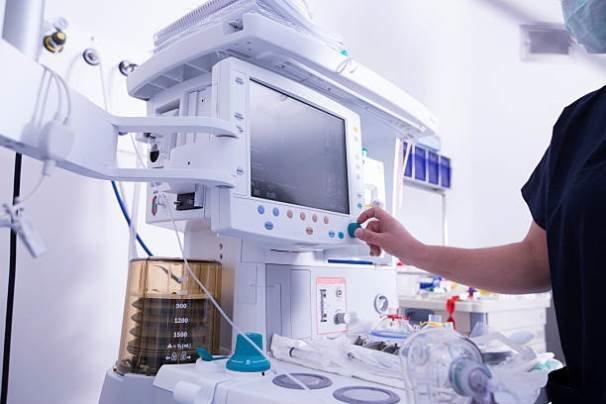 سرطان با رادیوتراپی درمان می گردد، بی توجهی وزارت بهداشت