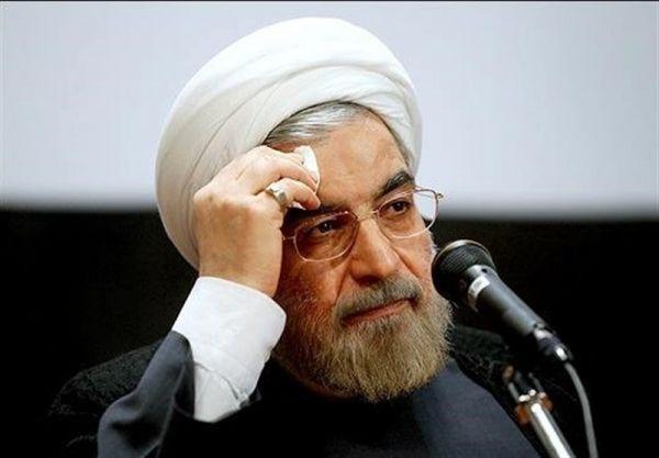 آقای روحانی! صدای آمریکا از حنجره کسانی بیرون می آید که 6 سال تمام سرمایه های مملکت را به اخم و لبخند های کدخدا گره زدند