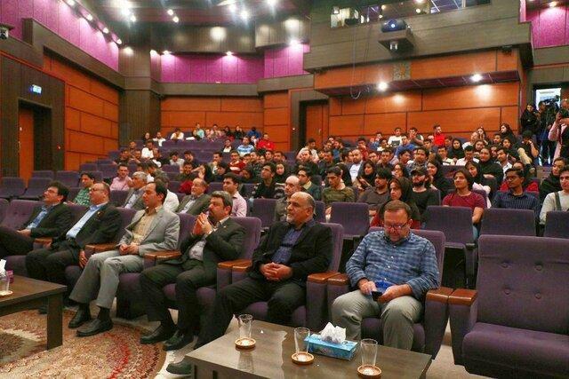 مراسم گرامیداشت هفته پژوهش در پردیس بین الملل کیش دانشگاه شریف برگزار گردید