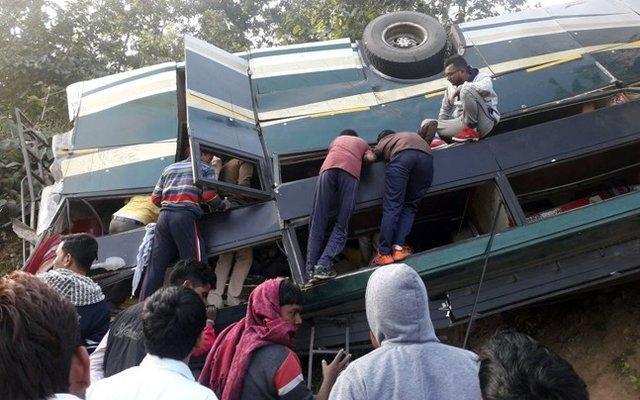 سانحه رانندگی در اندونزی 27 کشته داد