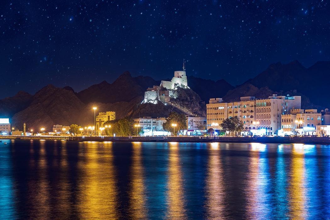 13 دلیل که به شما می گوید چرا برای یک بار هم که شده در طول زندگی تان باید به عمان سفر کنید.