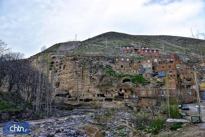 اجرای مراحل تکمیلی مرمت و سامان دهی روستای چراغیل آذرشهر