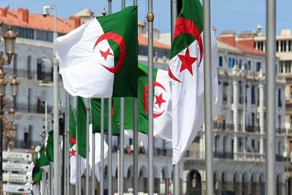 الجزایر سفیر خود را از فرانسه فراخواند