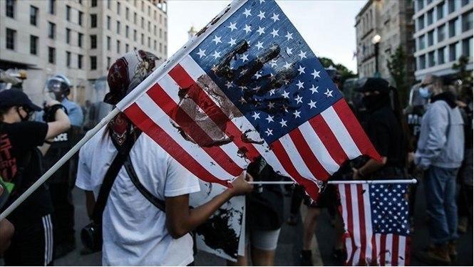 افول حس میهن پرستی در آمریکا به روایت پرس تی وی
