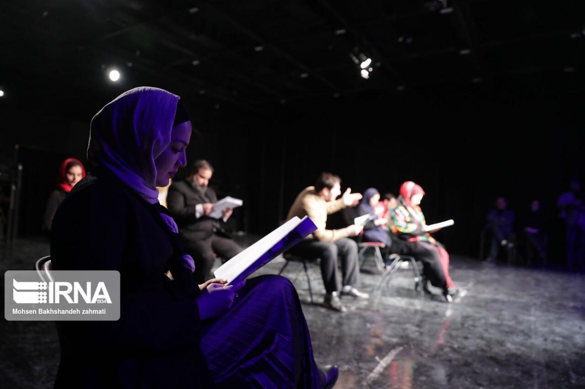 خبرنگاران برگزیدگان مسابقه سراسری نمایشنامه نویسی انسان، هنر، بحران معرفی شدند