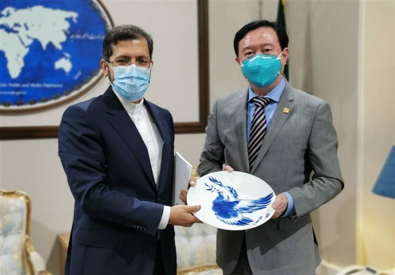 سفیر چین با سخنگوی وزارت امور خارجه ملاقات کرد