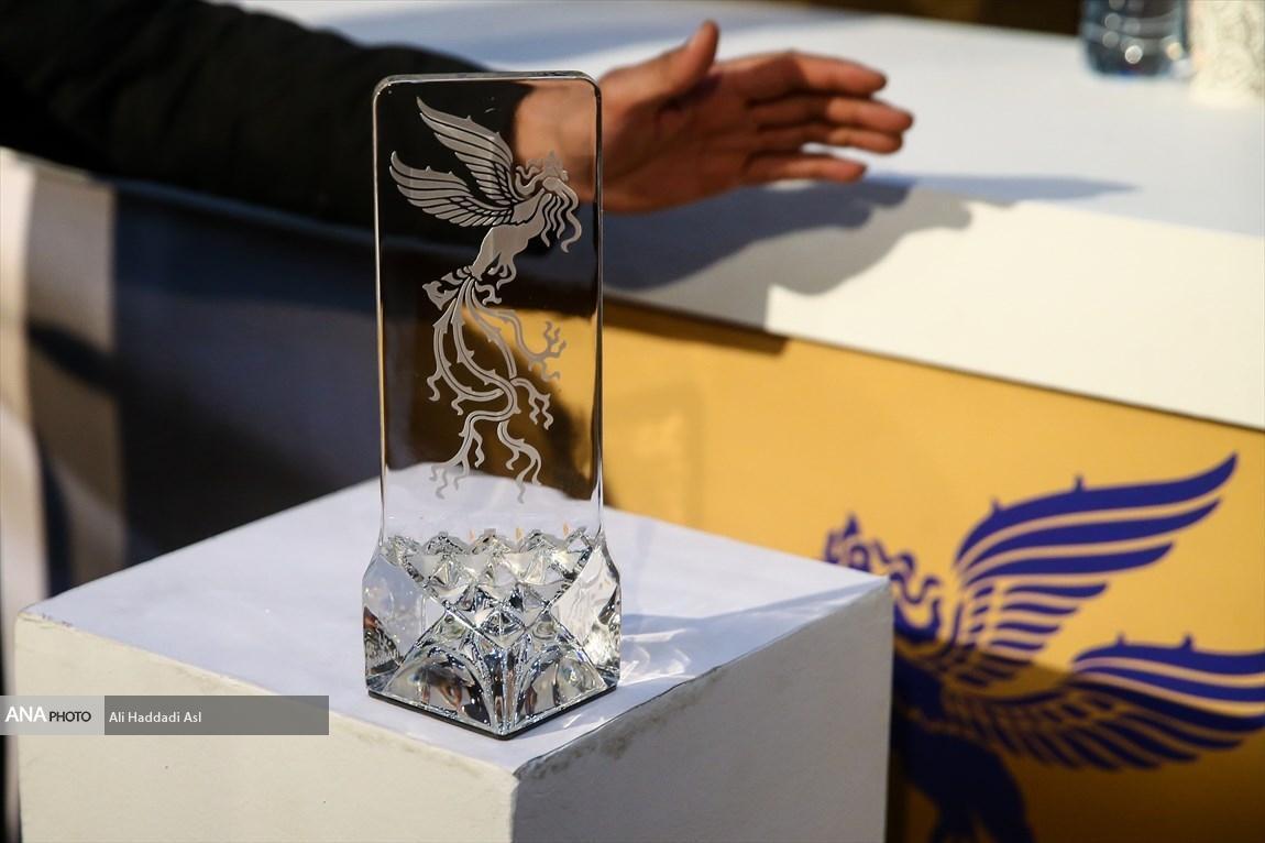 پرواز دوباره سیمرغ ها این بار با ماسک و دستکش!، آثاری که در سایه کرونا به حضور در جشنواره فیلم فجر می اندیشند