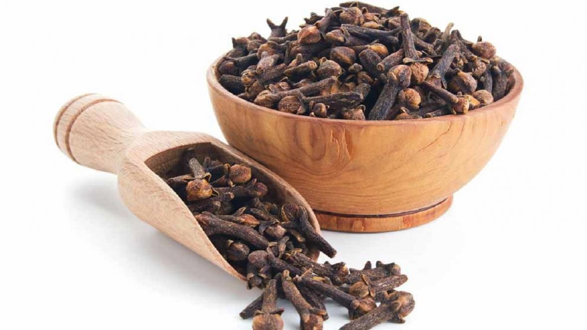 گیاهی که از دهان شویه هم بهتر بوی بد دهان را رفع می کند