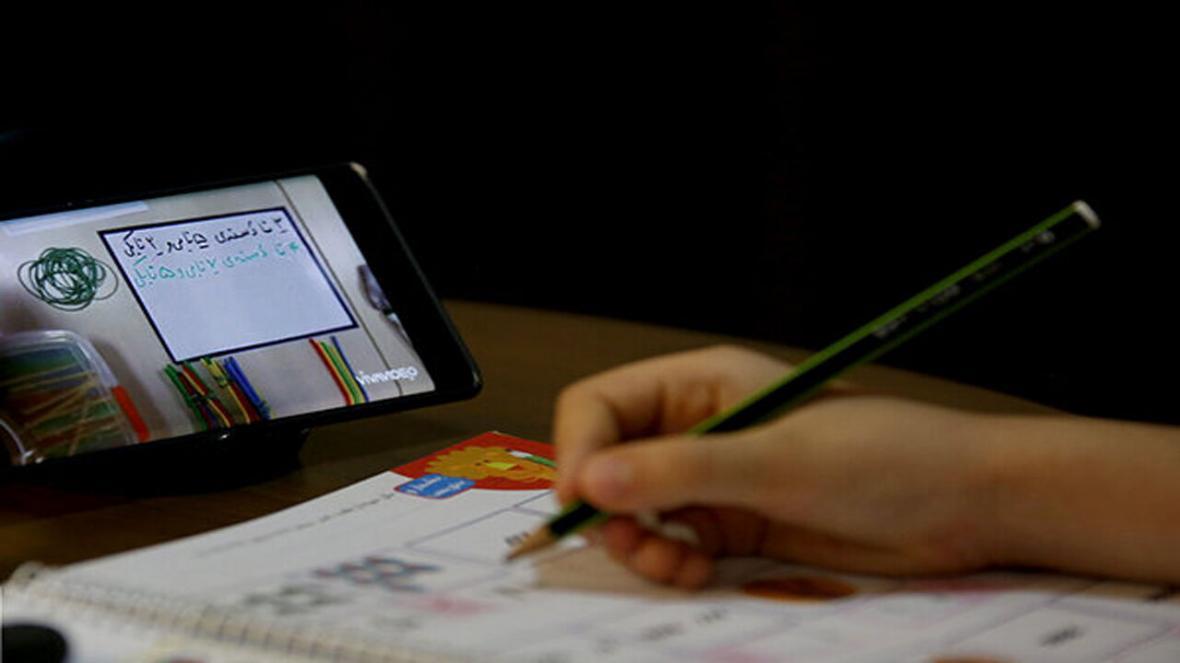 خبرنگاران 29 درصد دانش&zwnjآموزان آذربایجان&zwnjغربی از بسته&zwnjهای آموزشی بهره&zwnjمند هستند