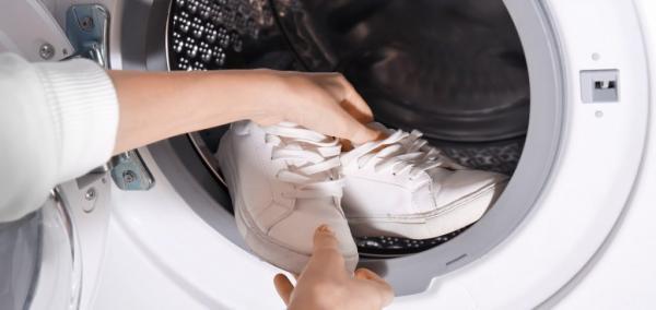 شستن کفش در ماشین لباسشویی؛ نکات و ترفندها