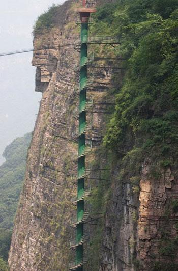 10 منطقه شگفت انگیز گردشگری که نباید از دست داد، عکس