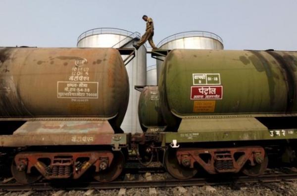 کاهش واردات نفت سعودی در جدیدترین تلافی جویی هند